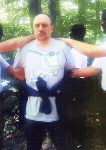 Goran Hadzic in momentul arestarii, intr-o padure din nordul Serbiei