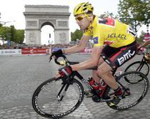 Cadel Evans, triumf la Paris