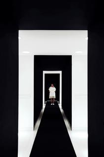 Interior pe alb si negru