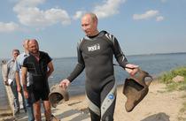 Vladimir Putin la scufundari