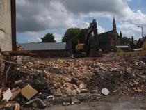 Ruine in Tottenham. Pana saptamna trecuta aici locuiau 27 de persoane.
