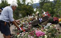 Norvegienii isi comemoreaza victimele