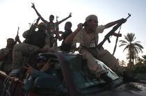 Rebelii libieni sarbatoresc intrarea in Tripoli