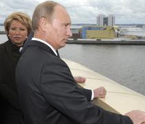 Valentina Matvienko, in umbra lui Putin