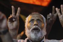 Salem Hasam Ali arata semnul victoriei
