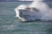 Yacht hibrid