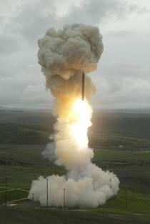 Lansare interceptor terestru