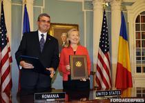 Teodor Baconschi si Hillary Clinton au semnat acordul, la Washington