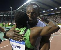 Bolt il felicita pe Blake pentru rezultatul de la 200m