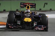 Sebastian Vettel, de neoprit la Singapore