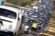 Tot mai multe orase sunt sufocate de traficul intens