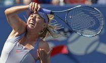 Sharapova, invinsa de Pennetta