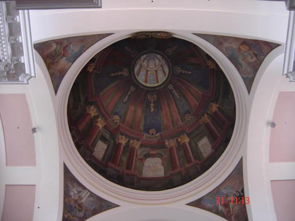 interiorul cupolei catedralei