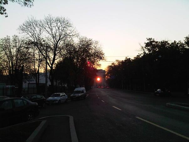 Rasarit de soare prin Arcul de Triumf
