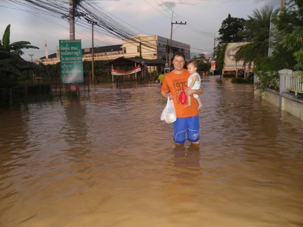 inundatii in thailanda