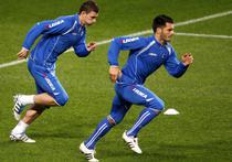 Edin Dzeko (stanga) si Emir Spahic vor sa duca Bosnia la EURO 2012