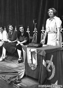 Ana Pauker, la un miting al Uniunii Femeilor Antifasciste din Romania