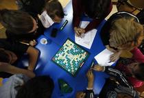 """Fotogalerie: Joc de Scrabble cu copiii din programul """"A doua sansa"""""""