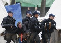 Interventie in forta a politiei elvetiene