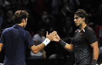 Federer (stanga), cu o clasa peste adversar