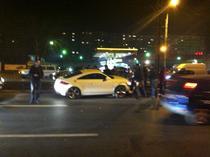 Un Audi TT a intrat pe sinele tramvaiului 41