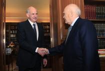 Giorgios Papandreou la intalnirea cu presedintele Karolos Papoulias