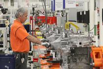 Motor Ford EcoBoost de 1 litru pe linia de asamblare