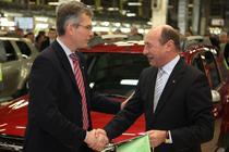 Traian Basescu, alaturi de seful Dacia, Jerome Olive