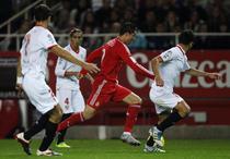 "Cristiano Ronaldo, printre ""jaloane"""