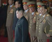 Kim Jong-un, alaturi de armata, la catafalcul tatalui sau
