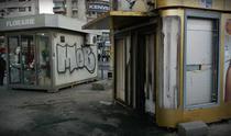 Tonete vandalizate in Bucuresti