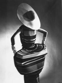 Gjon Mili, T. Norell, Spring Fashions, Mushroom pleats, 1955