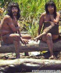 Membri ai tribului Mashco-Piro