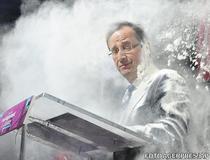 Francois Hollande, atacat