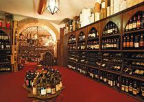 Enoteca Constantini, denumita si Seiful pentru colectia impresionanta de vinuri de calitate