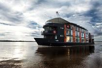Hotelul plutitor Aria