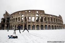Un fenomen rar: Colosseumul sub zapada