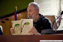 Fidel Castro, cu cartile sale