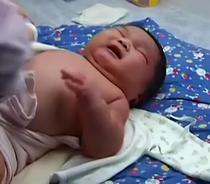 Chun Chun, bebelusul gigant