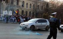 """Protest in Piata Victoriei din Bucuresti: """"Stiinta nu moare!"""""""
