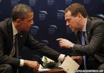 Barack Obama si Dmitri Medvedev la Summitul de la Seul