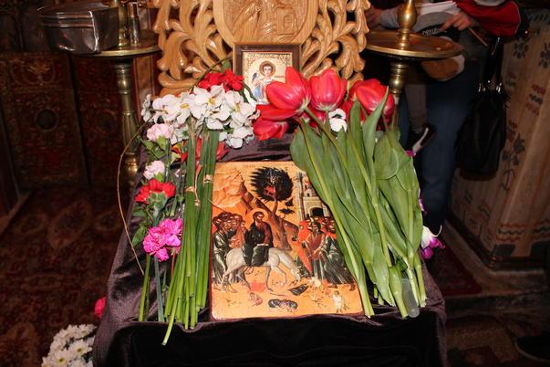 La biserica, de Florii (3)