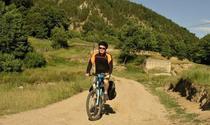 Kevin Rushby, cu bicicleta in Romania