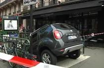 Dacia Duster parcat in metroul din Paris