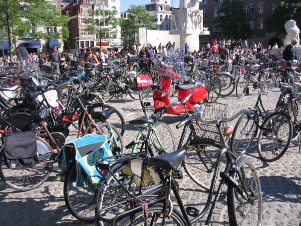 Din amintirile unui turist fericit: Bicicletele din Amsterdam 1