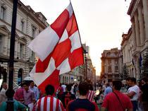 Fiesta alb-rosie in cenntrul istoric
