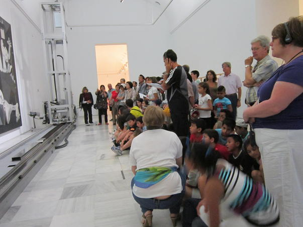 Vizitatori la.. Guernica