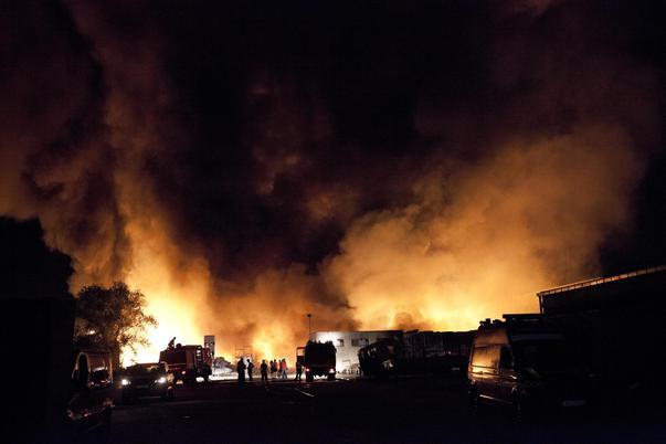 Incendiu depozit mase plastice (2)