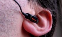 De ce ne tiuie urechile