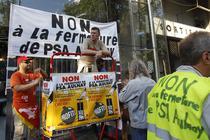 Angajatii PSA demosntreaza impotriva inchiderii uzinei din Aulnay